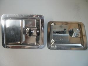 Wheeled Coach Interior Door Handle Locking